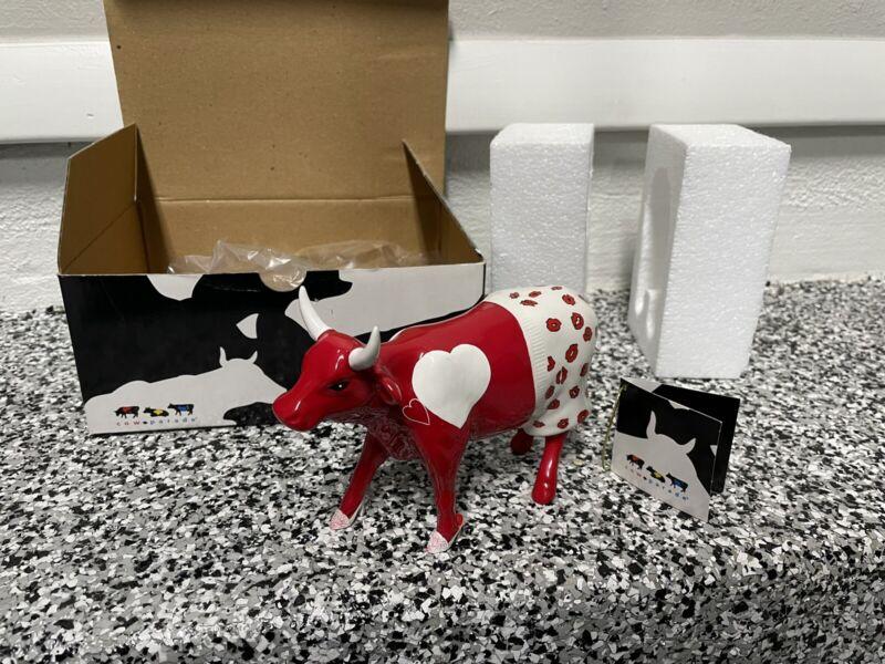 Cow Parade MOOCHO AMOR #9177 w/ tag 2002 open box