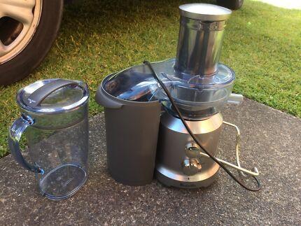 Breville Juicer-hardly used