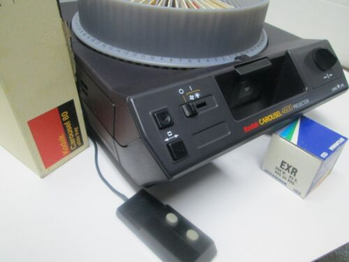 Kodak 4600 Carousel 35mm Slide Projector - Remote - Spare Bulb - Auto Focus!