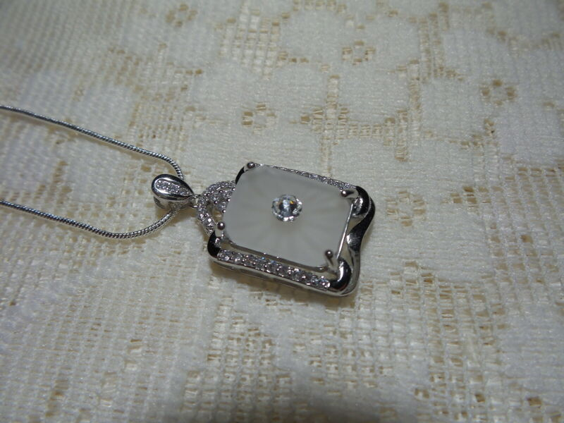 HANDMADE VINTAGE SUNRAY CRYSTAL FROSTED CAMPHOR GLASS  NECKLACE STERLING SILVER