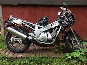 1989 yamaha fzr 600 parts bike