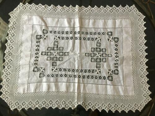 VINTAGE ANTIQUE Rectangle White Handmade Crochet Edge Tablecloth Centre 46X62cm