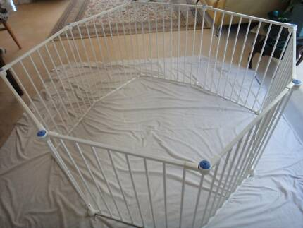 LINDAM  METAL PLAY PEN