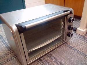 Russell Hobbs Family Oven Acton North Canberra Preview