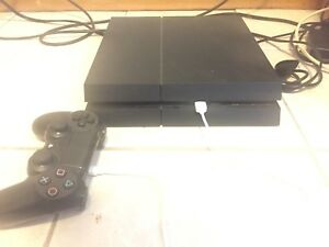 500gb PlayStation 4, 1 controller, 6 games