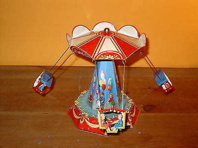 wunderschönes mechanisches Karusell, Kirmes, Germany