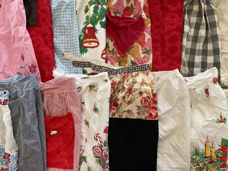 Lot Of 20 Vintage Cutter Aprons - 0306218