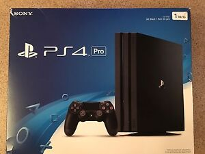 PS4 PRO 1 TB HDD WITH 6 GAMES EVERYTHING IS LIKE NEW !!!