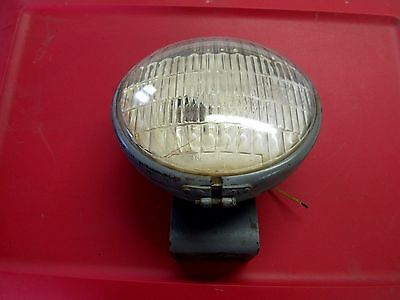 VINTAGE  FORD FERGUSON TRACTOR LIGHT W/MOUNT BRACKET DO-RAY LAMP CO CHICAGO IL