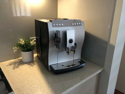 Jura Impressa Z7 Coffee Machi e