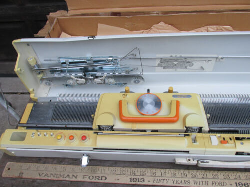 Knitting Machine Studio Mod 360 With Hard Case Manual Orig Box,Some Acc