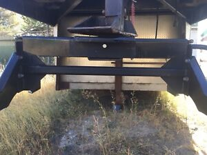 Hijacker adjustable height fifth wheel