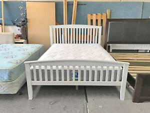 DELIVERY TODAY BEAUTIFUL WHITE WOODEN Queen bed frame