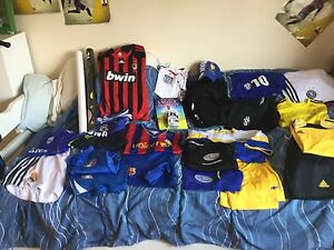 Boy soccer outfits size small /10