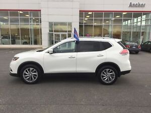 2014 Nissan Rogue SL HEATED LEATHER; P/SEAT; P/ROOF; NAVI; FO...
