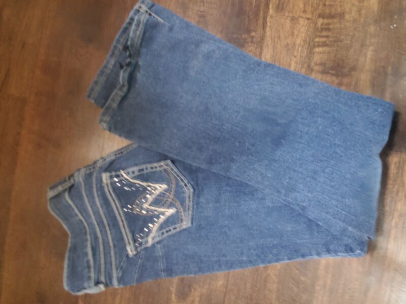 Womens 11/12 x 34 Wrangler bootcut stretch jeans: embellished pockets