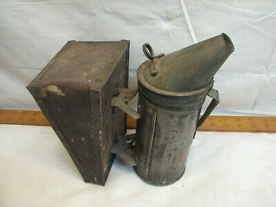 Antique Tin Bellows Smoker Bee Ware Woodman Keeper Hive Tool Beekeeping Smoke