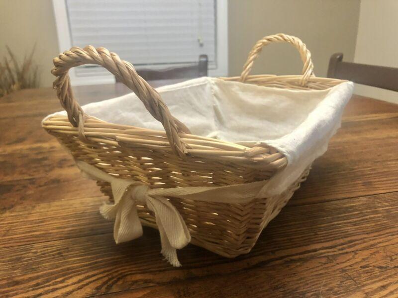Burt's Bees Baby Wicker Basket with 100% Organic Cotton Liner