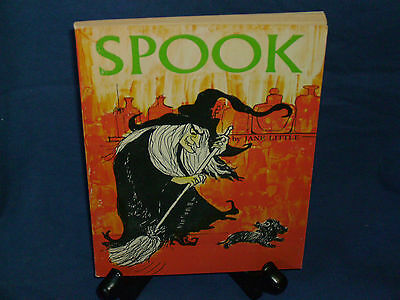 VINTAGE SCHOLASTIC SPOOK  TX 1001 JANE LITTLE WITCH DOG Halloween cat on sale (Halloween Dog Book)