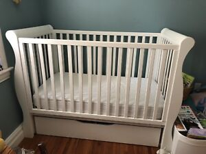 Beautiful nursery set with great condition!
