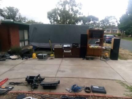 Garage sale9 dew crt  vista