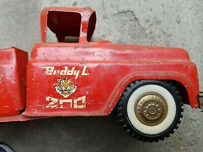 VINTAGE RED BUDDY L TRAVELING ZOO PICKUP TRUCK