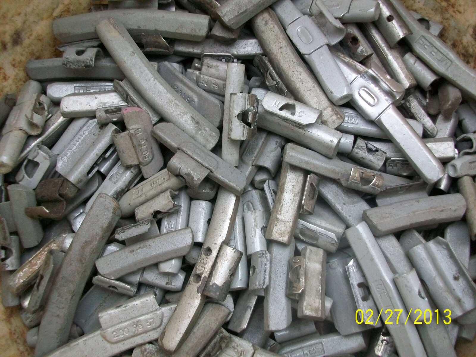 Wheel Weights Steel for Aluminum Alloy Rims 185 Piece to Re-use W/Nice Bonus!