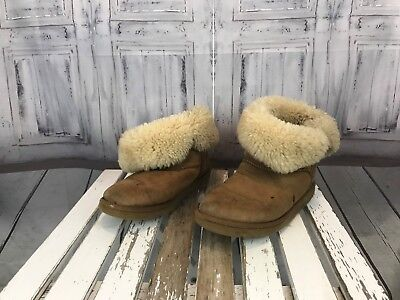 - Uggs Womens Big Girls Autumn Cold Weather Winter Fashion Fur Shoe Boot Sz. 7W