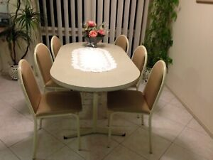 kitchen table and 6 chairs for sale.
