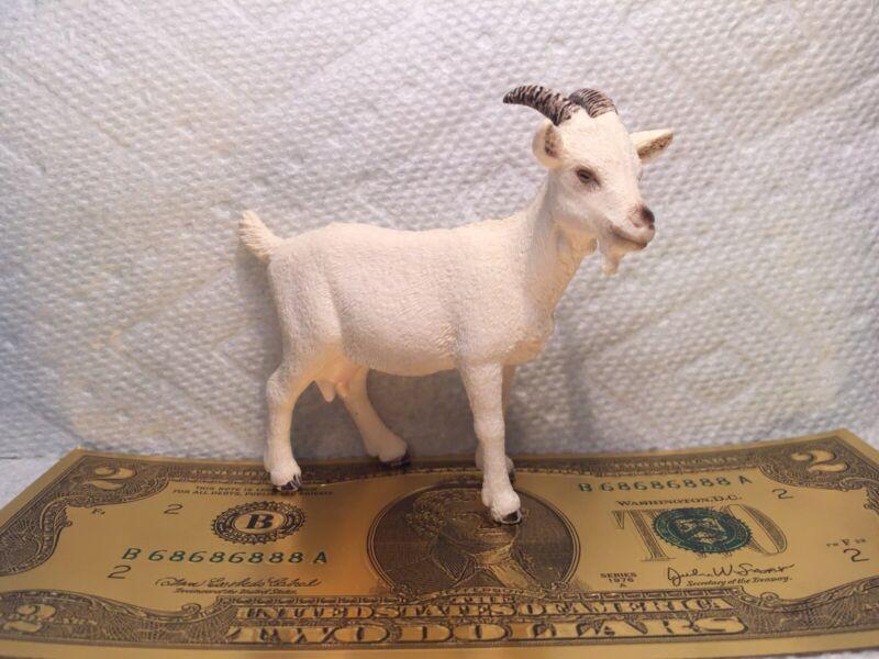 Schleich DOMESTIC NANNY GOAT 13719 White Female Dairy 2012 Farm Animal Figure