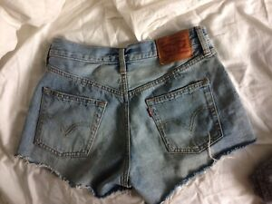 Levi's 501 high waisted jean shorts (xs)