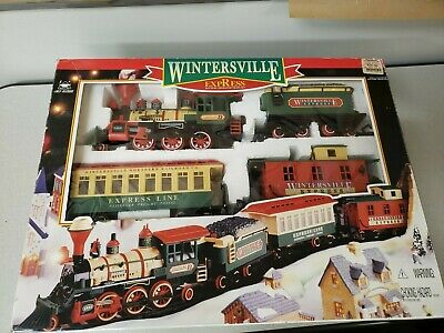 Wintersville Express, Battery Operated Christmas Train Set ~ by New Bright Toys