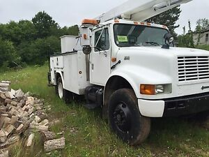 1999 International Bucket truck