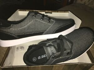 men size 8.5 Sneakers shoes