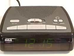 RCA RP5400B Dual Alarm AM/FM Clock Radio - Snooze - Green LED. Tested.