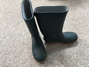 Gently used green unisex kids rain boots size 2