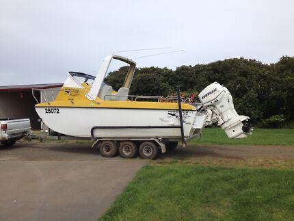 5.5m Fibreglass Cat, with Twin 90 Evinrude and a Triaxle Trailer Scottsdale Dorset Area Preview