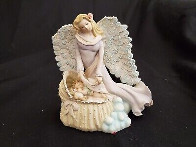 Dreamsicles Heavenly Classics Cast Art Sleep Little Angel Baby in Crib Figurine  Classic Baby Crib Collection
