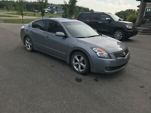 2007 Nissan Altima 3.5SE fully loaded