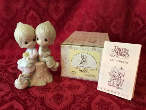 """PRECIOUS MOMENTS 1978 """"E-1376"""" """"LOVE ONE ANOTHER"""" NEW IN BOX-MINT CONDITION"""