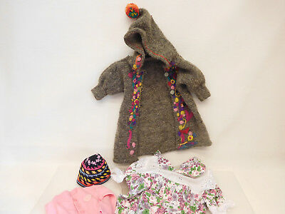 ESF-05562Neuzeitliche 5 Teile Puppenkleidung, L. Kleid ca. 44 cm