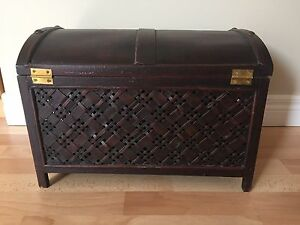 Small 1ft. wood chest with latch Kitchener / Waterloo Kitchener Area image 2