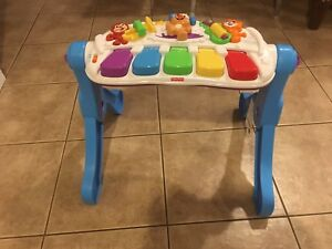 Fisher Price -Learn and Move Station