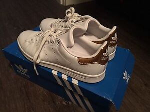 Stan Smith Adidas Gold size 7
