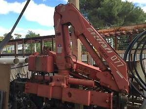 FERRARI 077 TRUCK MOUNTED CRANE WITH SUPPORT LEGS Walkley Heights Salisbury Area Preview