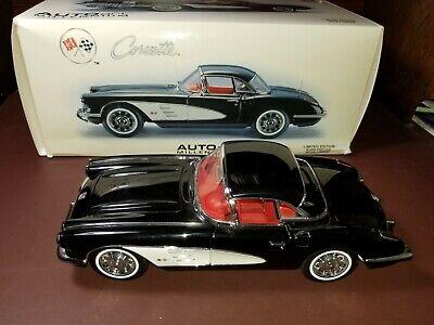 AUTOart 1959 Chevrolet Corvette 1:18 Diecast Car