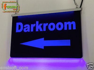 """LED Leuchtschild """"Darkroom"""" blau in schwarz Pension Herberge Club Lokal ©faunz"""