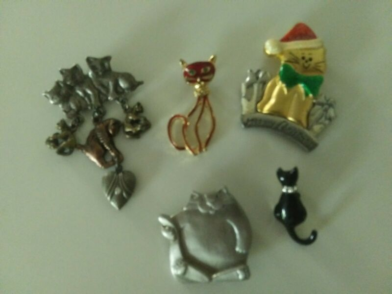 Lot of 5 Vintage Cats Mali + Unknown Pins Earing? Brooch? Christmas