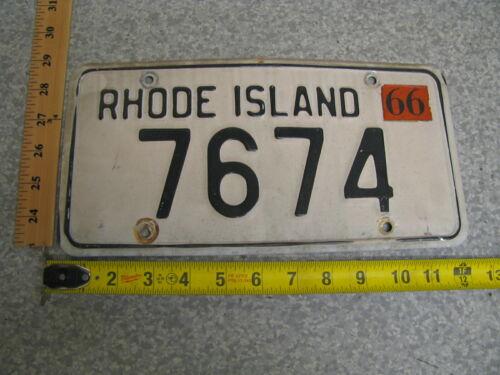 1976 76 RHODE ISLAND RI LICENSE PLATE TAG #7674