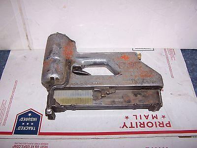 SENCO Model M1 Pneumatic Air Framing STAPLER STAPLE GUN